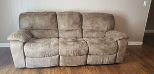 Matching couch and love seat for Sale in Clovis, CA