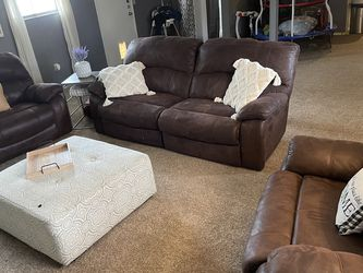 Couch and 2 oversized love seats for Sale in Fort Worth,  TX