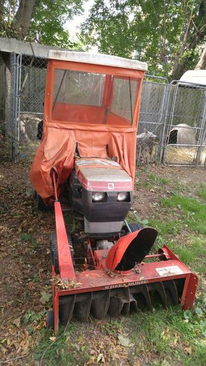 Toro Riding Mower /Snow Blower for All Occasions Snow Blower summer & Lawn Mower for Sale in Cleveland, OH