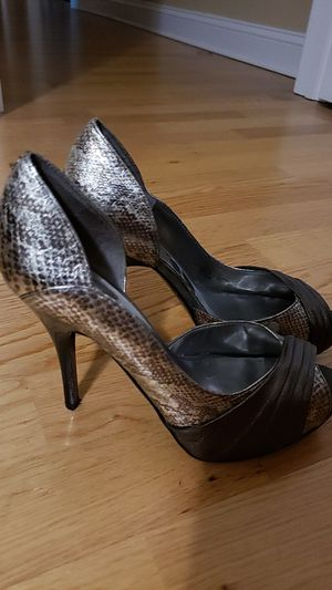 Guess heels for Sale in Medford, MA
