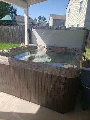 Artesian Spa Hot Tub for Sale in Lexington, SC