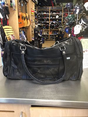 Leather Duffle Bag for Sale in Matawan, NJ