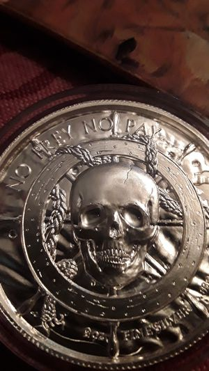 No pray no pay privateer high relief 2oz silver coin for Sale in Woodbridge, VA