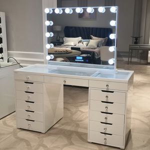Hollywood Vanity Mirror Set for Sale in City of Industry, CA