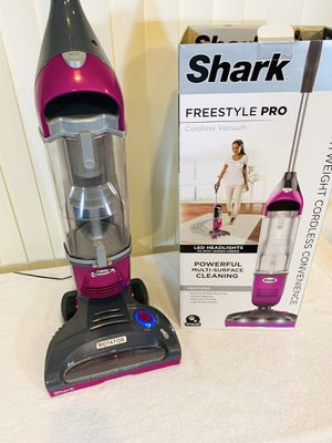 Shark 🦈 Rotator Freestyle Pro Cordless Vacuum (SV1112) - Lightweight & Powerful Multi-Surface Cleaning 👍 Has a New Battery & Filters... Come Try It for Sale in Boynton Beach, FL