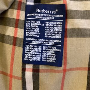 Burberry Long Trench Coat for Sale in Powder Springs, GA