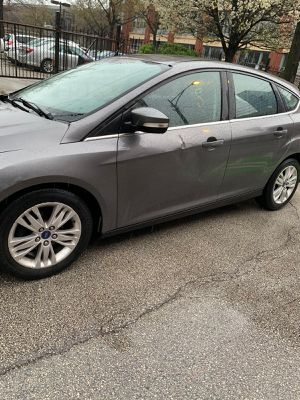 2012 Ford Focus Hatchback has for Sale in Chicago, IL