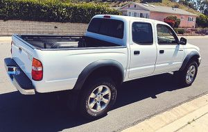 2003 Toyota Tacoma Very pretty car, pearly white for Sale in Pittsburgh, PA