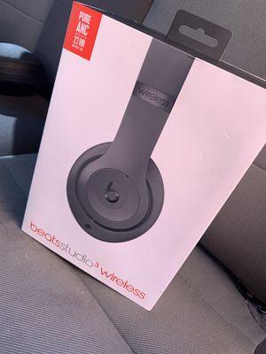 Beats Studio 3 Wireless (GREY) for Sale in Detroit, MI
