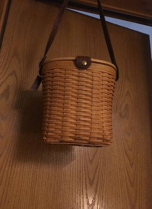 Longaberger Baskets Handwoven Purse with leather adjustable strap for Sale in Stanwood, WA