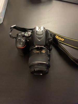 Nikon D5500 (DSLR) for Sale in Tampa, FL
