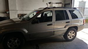 JEEP GRAND CHEROKEE 2000 super clean for Sale in Parma, OH