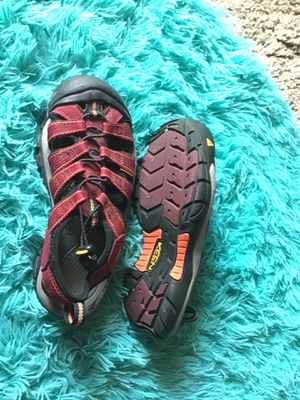 Keen Water Shoes size 7 for Sale in Ashton-Sandy Spring, MD