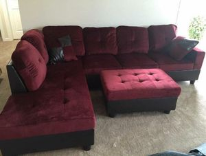 New red microfiber sectional couch with storage ottoman for Sale in Renton, WA