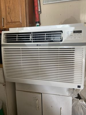 LG Ac unit 1,260 Watts for Sale in San Antonio, TX