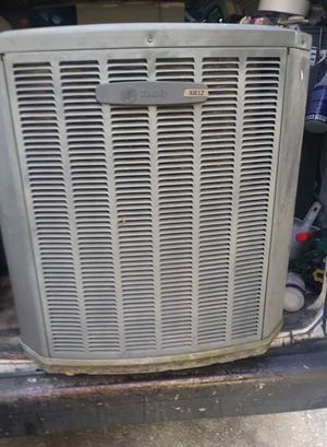 3 ton train heat pump Freon in compressor recovered R22 for Sale in Kissimmee, FL