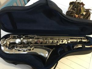 B flat Weril Brasil tenor saxophone +protec case+Otto link mouthpiece for Sale in Chicago, IL