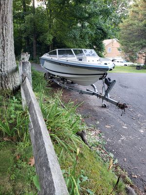 1989 Monterey bowrider. 19ft 165 horse for Sale in Southbury, CT
