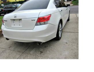 Super White. 2010 Honda Accord FWDWheels. for Sale in Simi Valley,  CA