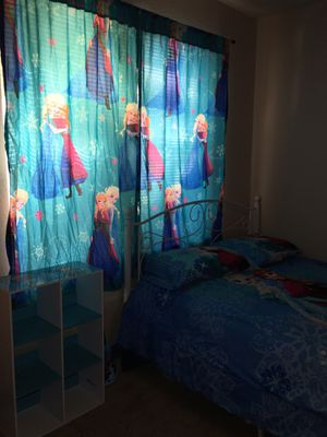 Elsa and Anna bedroom set for Sale in Dallas, TX