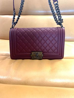 Authentic Chanel medium boy bag for Sale in Palm Springs, CA