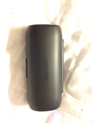 Bose portable Bluetooth headphones with rechargeable case for Sale in Tacoma, WA
