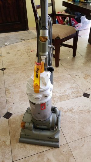 Dyson vacuum for parts or repair for Sale in Chula Vista, CA