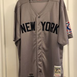 Mitchell & Ness Cooperstown Collection Monogrammed Lou Gehrig 1939 New York Baseball Jersey for Sale in Hazlet, NJ