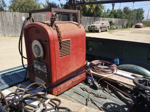 Arc Welder Idealarc 250 LINCOLN Excelent for Sale in Gonzales, CA