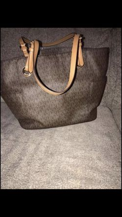 Michael Kors purse for Sale in Brentwood,  TN