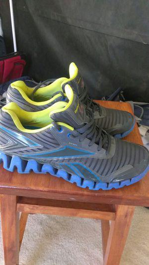 Tenis REEBOK Usados size 11 1/2 for Sale in Gaithersburg, MD