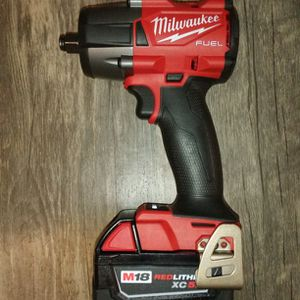 Milwaukee M18 Fuel Brushless 1/2 In Mid Torque Impact Wrench for Sale in Happy Valley, OR