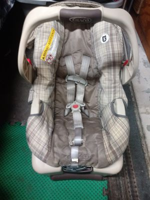 Baby car seat unisex for Sale in Philadelphia, PA