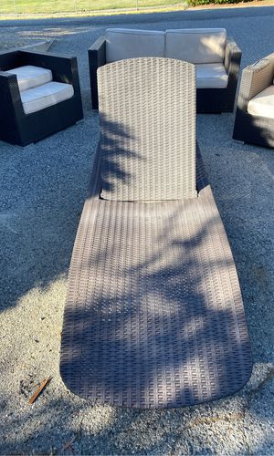 Chaise lounge FREE for Sale in Manson, WA