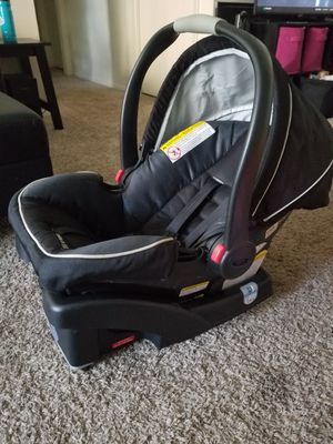 Graco car seat and base for Sale in Orlando, FL