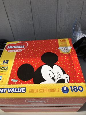 HUGGIES 180 DIAPERS SIZE 3 LARGE BOX for Sale in Tacoma, WA