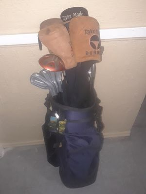 Arnold Palmer golf bag and clubs for Sale in Cleveland, OH