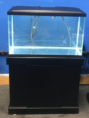 29 gallon aquarium fish tank complete $200 for Sale in Philadelphia, PA