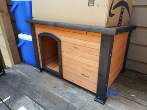 Cedar doghouse, 30in wide for Sale in Bothell, WA
