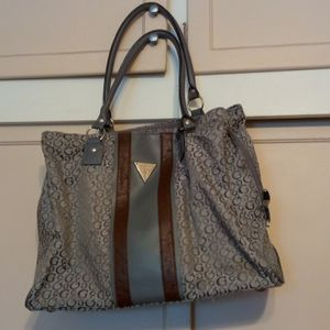 GUESS purse for Sale in El Monte, CA