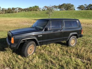 95 Jeep Cherokee xj for Sale in Coral Springs, FL