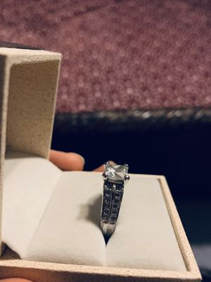 Sterling silver engagement ring size 8 for Sale in Palos Hills, IL