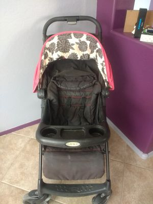 Small stroller with storage basket underneath for Sale in Sun City, AZ