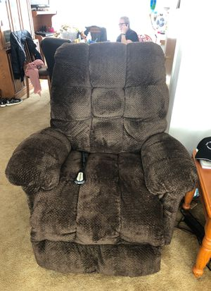 Barely used as new Best Home Lift chair Recliner for Sale in Wenatchee, WA