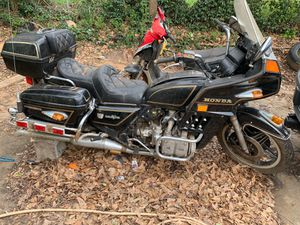 Honda Goldwing Classic Restorations Bike engine good Great For Resale for Sale in Jonesboro, GA