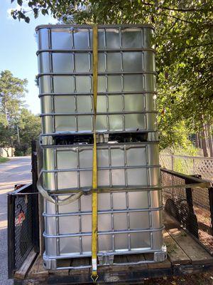 250 gallon pressure washing portable water tanks for Sale in Snellville, GA