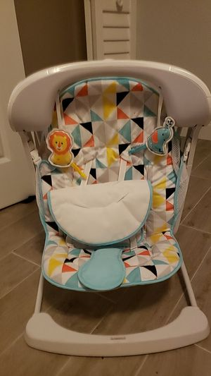 Fisher Price battery powered swing for Sale in Fort Lauderdale, FL