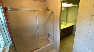Bathtub and sliding door glass for Sale in Brentwood, TN