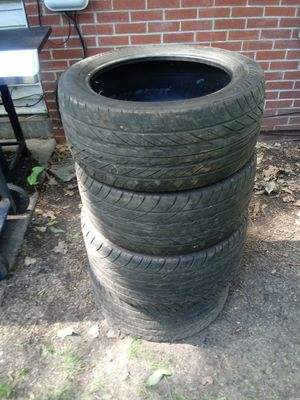 Good year tires 245/45zr17 for Sale in Detroit, MI