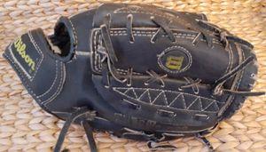 Wilson baseball glove for Sale in San Diego, CA
